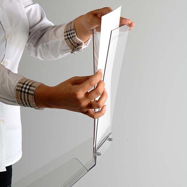 Dekorativer Prospektständer Plus Hochformat DIN A4 Postermaß 7