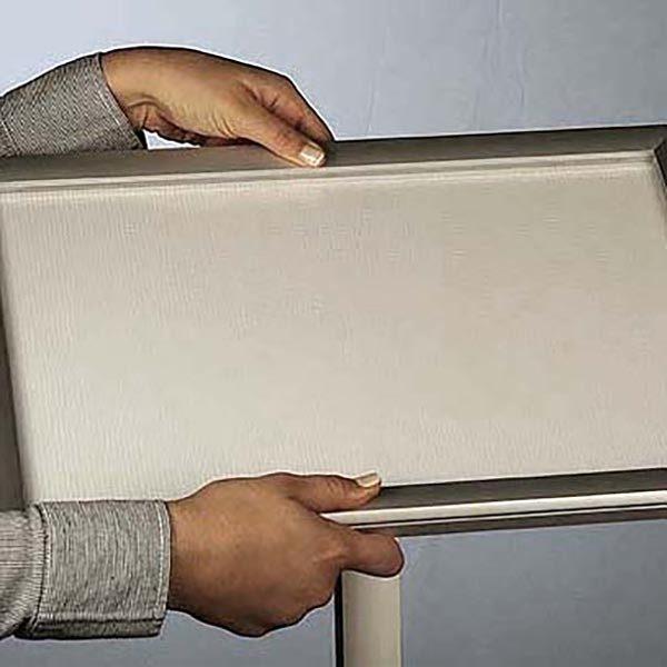 Flexibler LED Infoständer silber DIN A3 Postermaß 9