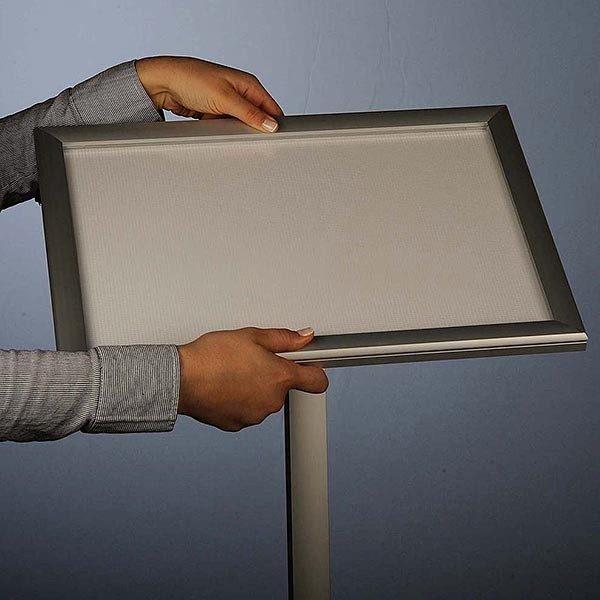Flexibler LED Infoständer silber DIN A4 Postermaß 9