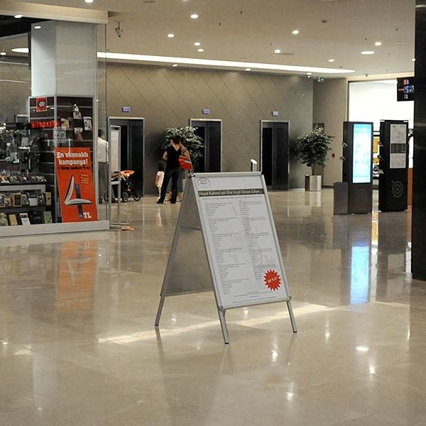 Kundenstopper Indoor Rondo 32mm DIN A2 Postermaß 3