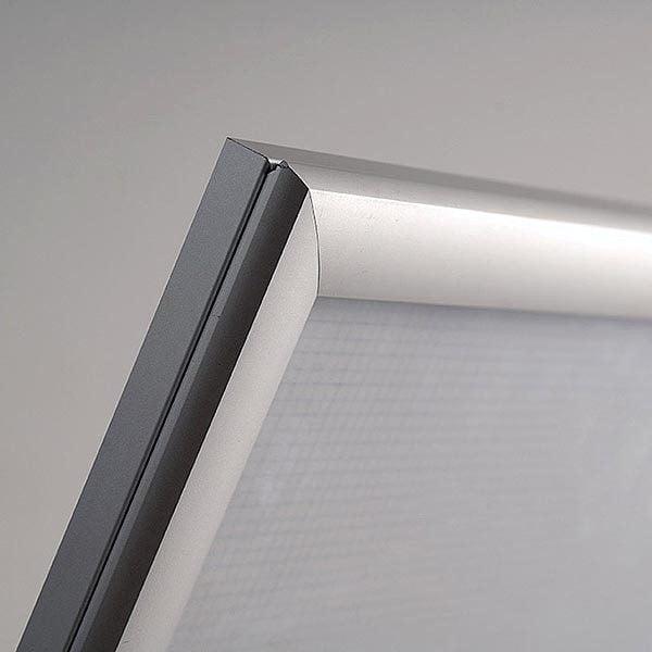 LED Leuchtrahmen Premium einseitig 25mm DIN B2 Postermaß einseitig 7
