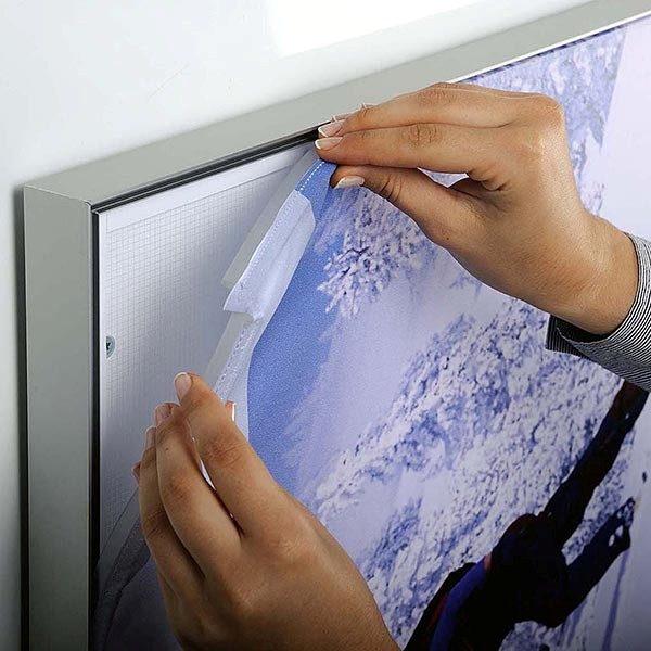 MaxiFrame-LED-20-einseitig-DIN-A1-Postermaß-7