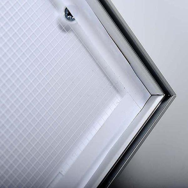 MaxiFrame LED 20 einseitig DIN B2 Postermaß 7