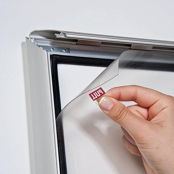 Wasserfester Klapprahmen mit Sicherungsschraube 35mm DIN B0 Postermaß 4