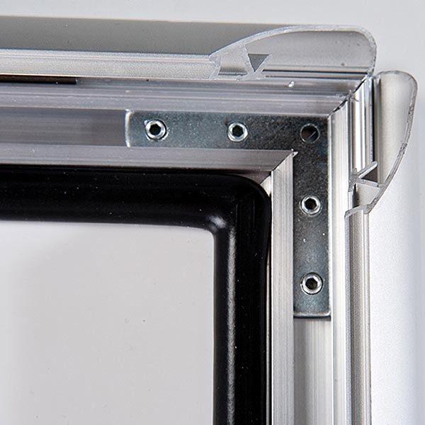 Wetterfester-Kundenstopper-35mm-DIN-B2-Postermaß-3