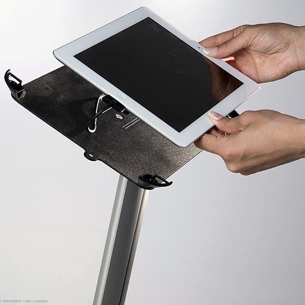 iPad Infoständer Universal weiß im Hoch und Querformat nutzbar 3