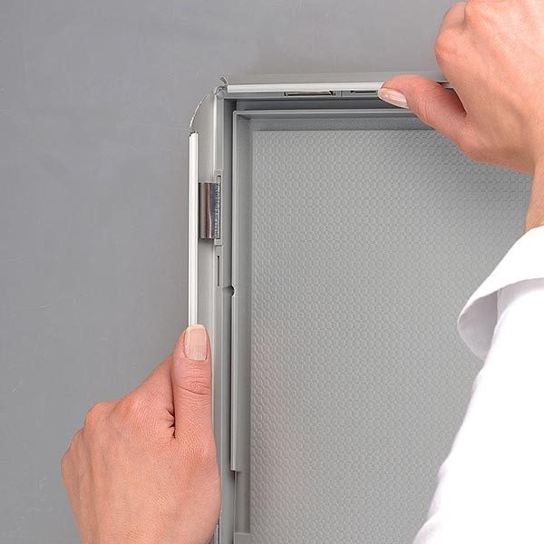 Klapprahmen Opti Frame 25mm DIN A1 Postermaß ohne Rückenstütze