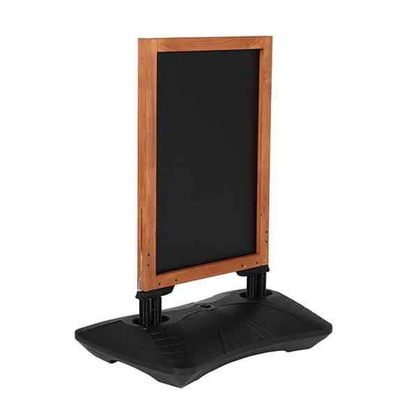 kundenstopper windpro wood 670 x 860 mm kreidetafel 1