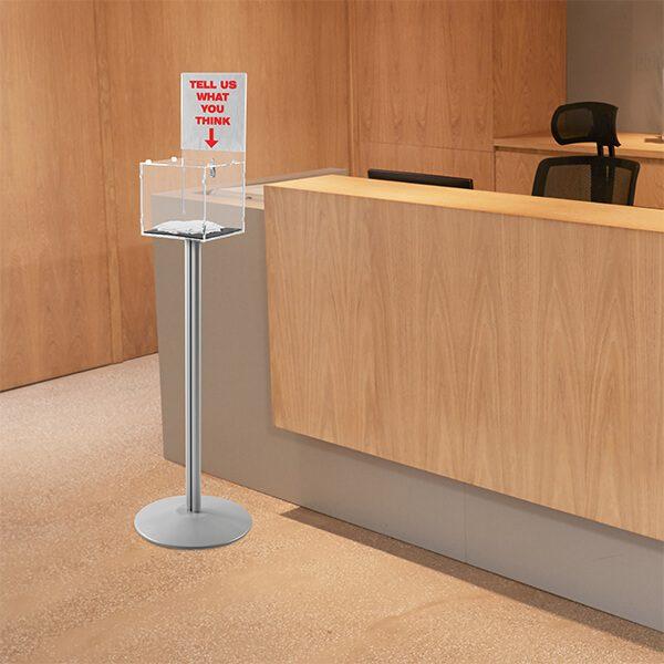 losbox ständer mit topschild 21x21x21 cm aus acryl abschließbar 1