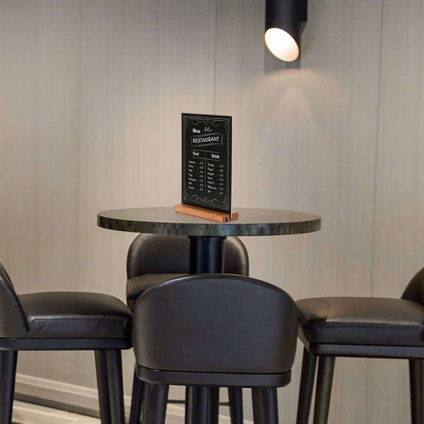 Tischaufsteller Holz Double A4 Anwendungsbild